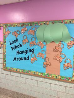 Cute & simple way to make leaves Monkey Bulletin Boards, Classroom Bulletin Boards, Classroom Posters, Classroom Setting, Classroom Displays, Future Classroom, Classroom Decor, Dr Seuss Activities, Toddler Activities