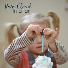 How to make rain clouds in a jar- a fun science experiment for kids of all ages! Water Experiments For Kids, Candy Experiments, Science For Toddlers, Educational Activities For Kids, Montessori Activities, Rock Candy Experiment, Cloud In A Jar, Summer Science, Rain Clouds
