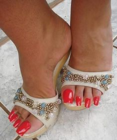 high heels – High Heels Daily Heels, stilettos and women's Shoes Black Strappy High Heels, Super High Heels, High Heels Stilettos, Cute Toe Nails, Cute Toes, Pretty Toes, Red Toenails, Long Toenails, Beautiful Toes