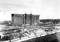 Rotterdam - Bouw van het Dijkzigt Ziekenhuis. .1956