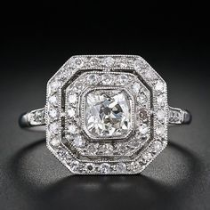My Engagement Ring!! :) weddings-on-the-mind