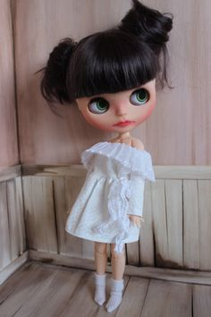 Dress For Blythe - Blythe summer dress, long sleeved blythe dress, OOAK, handmade, blythe clothes, custom blythe doll, lace collar dress by ShelsTinyCreations on Etsy