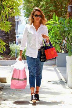 8bb1f8316c75 O bom e velho combo  Jeans com camisa branca