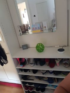 Aus Billyregal von Ikea ein Schuhregal für schmale Flure Shoe Rack, Ikea, Room Decor, Decorating, Home, Hallways, Decor, Decoration, Ikea Co