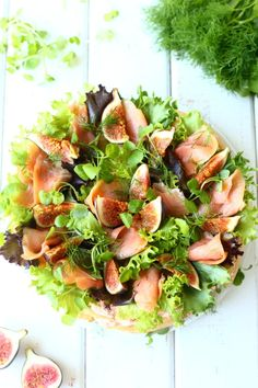 kakun koristeena viikunoita lohta vesikranssia salaattia Types Of Food, Holidays And Events, Salads, Floral Wreath, Ethnic Recipes, Home Decor, Homemade Home Decor, Flower Crown, Salad
