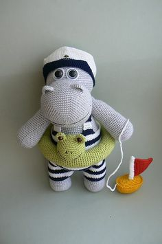 Lovely crochet hippo.  Would be good to use as inspiration using the Alan Dart hippo knitting pattern