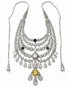 Necklace created for Sir Bhupindra Singh, Maharaja of Patiala. Cartier Paris, special order, 1928. Platinum, diamonds, zirconias, topazes, synthetic rubies, smoky quartz, citrine; Height at center: 27 cm. Cartier Collection. © Cartier