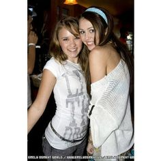 miley and emily   from blog city info miley cyrus and emily osment blog city info
