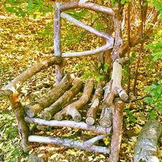 Efterår. Eftertanke. . My friend made this chair for me. . #tantegrønshave#tantegrønshaveunivers#cottagegarden#cottagehave#chair#stol#herbst#autumn#fall#efterår