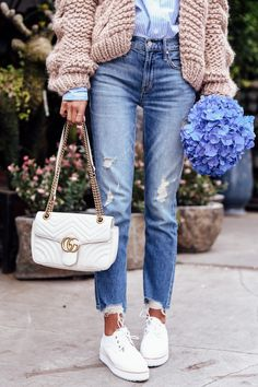 Casual Knit - Gucci Bag - Ideas of Gucci Bag - Casual outfit day my favorite day! Wearing a cozy chunky knit cardigan blue shirt underneath blue ripped jeans white Zimmermann sneakers and a Gucci GG Marmont bag in white with gold hardware Mode Outfits, Trendy Outfits, Fashion Outfits, Womens Fashion, Fashion Trends, White Bag Outfit, White Gucci Bag, Gucci Marmont Bag, Blue Ripped Jeans