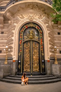 #buenosaires #argentina #architecture #arquitetura #design #southamerica Big Doors, Barcelona Cathedral, Around The Worlds, Photo And Video, Building, Travel, Instagram, Design, Arquitetura