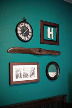 vintage airplane nursery, propeller. Love the aviation theme for a boy! Good reminder of my grandpa.