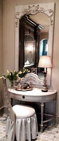 8 Best And Amazing Spanish Style Bedroom Furniture Design Ideas Tocador Vanity, Dressing Table Vanity, Dressing Rooms, Vanity Tables, Table Mirror, Dressing Tables, Interior Exterior, Interior Design, French Vanity