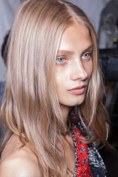 Isabel Marant at Paris Fashion Week Spring 2013 - Backstage Runway Photos Anna Selezneva, Creative Hair Color, Cool Blonde, Hair Brained, Without Makeup, Fall Hair, Isabel Marant, Backstage, Long Hair Styles