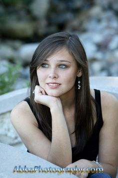 Dreaming about the future in high school senior portraits. Great deals going on now for $99.00. www.abbaphotography.com