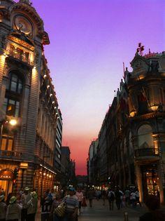 Av. Madero esquina c/ Isabel la católica (tienda Zara y edificio la Esmeralda)