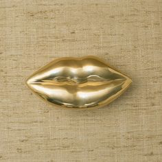 KISS BOX, High End, Luxury, Design, Furniture and Decor | Kelly Wearstler #SilverHomeAccessories Silver Home Accessories, Home Interior Accessories, Bridal Accessories, Decorative Accessories, Kitchen Accessories, Unique Home Decor, Cheap Home Decor, Custom Furniture, Home Furniture