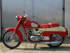 Pannonia TLB de Luxe Classic Motors, Classic Cars, 50cc Moped, Old Motorcycles, Old Bikes, Bike Parts, Cycling Bikes, Bobber, Motorbikes