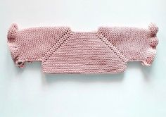 "Todos los puntos del derecho ""This post was discovered by Olg"" Cardigan Bebe, Knitted Baby Cardigan, Baby Pullover, Baby Knitting Patterns, Knitting For Kids, Crochet Yoke, Crochet Bikini Pattern, Baby Girl Crochet, Crochet Baby Booties"