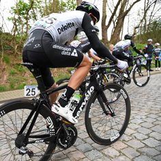 The boys over at @teamdidata are still finding cobbles at De Brabantse Pijl! #africasteam  @accordingtoian by envecomposites