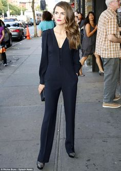 430ac01e65d7 article-2391074-1B44572F000005DC-801 634x902 Keri Russell Style