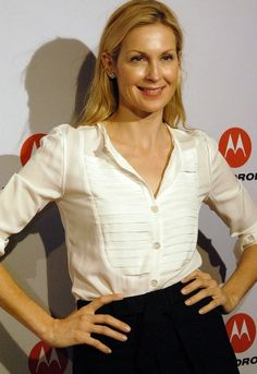 kelly rutherford hot - Bing Images Kelly Rutherford Style, High Class, Gossip Girl, American Actress, Capsule Wardrobe, Actors & Actresses, Bing Images, Lily, Beautiful Women