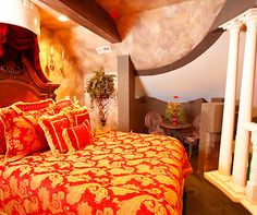 10 of the quirkiest hotel rooms in the world http://www.aluxurytravelblog.com/2012/11/12/10-of-the-quirkiest-hotel-rooms-in-the-world/