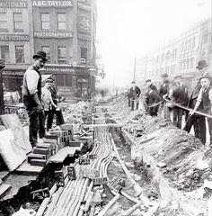 The laying of electric-cables in Baldwin Street, Bristol, 1893 Old Pictures, Old Photos, Vintage Photos, Candid Photography, Street Photography, Monte Rushmore, Puente Golden Gate, Baldwin Street, Bristol England