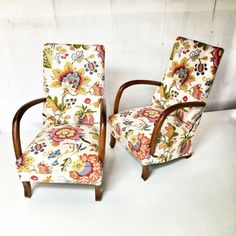 Warwick Fabrics Alhambra fabric in colour Fuchsia, on these gorgeous chairs upholstered by @upholstermolly