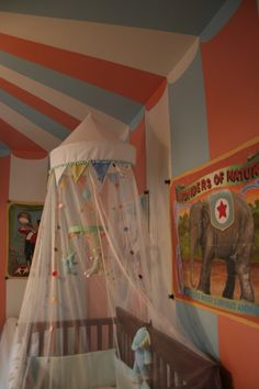Pipers room, Vintage circus themed nursery - Sheer spotted crib canopy with pennants from Ikea - Baby Nursery Today Circus Room, Circus Baby, Circus Theme, Circus Circus, Vintage Circus Nursery, Carnival Nursery, Dumbo Nursery, Girl Nursery, Royal Nursery