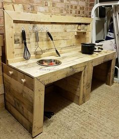 The kitchen is the most important part of every home. To give this important part a delightful appearance as well as to renovate this place with a durable furniture it always appears best to reshape the wooden pallet stacks and planks.  #pallets #woodpallet #palletfurniture #palletproject #palletideas #recycle #recycledpallet #reclaimed #repurposed #reused #restore #upcycle #diy #palletart #pallet #recycling #upcycling #refurnish #recycled #woodwork #woodworking