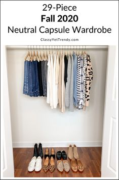Minimalist Wardrobe Essentials, Minimal Wardrobe, Simple Wardrobe, Wardrobe Basics, New Wardrobe, Capsule Wardrobe Essentials, Fall Capsule Wardrobe, Capsule Outfits, Fashion Capsule