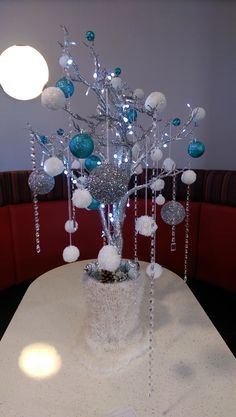 In this DIY tutorial, we will show you how to make Christmas decorations for your home. The video consists of 23 Christmas craft ideas. Office Christmas Decorations, Winter Wedding Decorations, Christmas Centerpieces, Wedding Centerpieces, Turquoise Christmas, Blue Christmas, Christmas Wedding, Christmas Time, Manzanita Tree