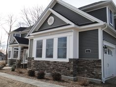 How to Incorporate Gray Siding - Kaycan Exterior House Siding, Grey Exterior, Exterior House Colors, Exterior Design, Exterior Paint, Grey Siding House, House Siding Options, Exterior Siding Options, Siding Colors For Houses