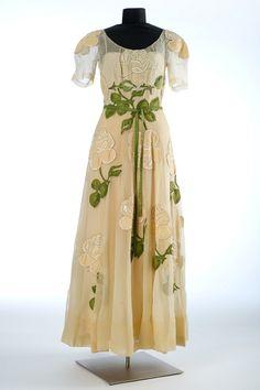 Dress, late 1930s. Silk organza, silk, silk taffeta, beads, silk grosgrain, silk crepe de chine, metal.