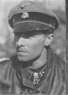 The original image. A great quality image of Peiper in Austria May 1945.