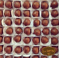 Popmel - uma pequena trufinha de pão de mel coberta com nosso chocolate especial