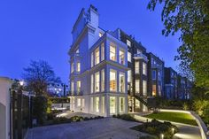 8 bedroom detached house for sale in Pembridge Square, Notting Hill, London, W2 - Rightmove | Photos