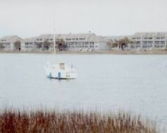 850/wk sleeps 5 has pool  Located on the Folly River, 6 Blocks to the Atlantic Ocean