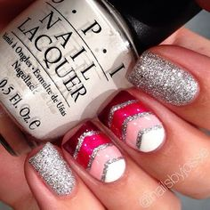 The last time I painted my nails I did this, but the accent nail was just the ring finger. Get Nails, Fancy Nails, Love Nails, How To Do Nails, Nail Polish Designs, Cute Nail Designs, Uñas Zig Zag, Nailart, Finger