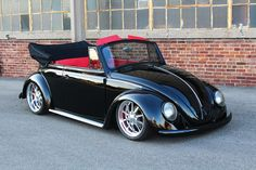 VW Bug - Convertable / Red Interior