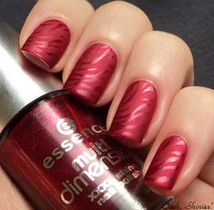 Oooh, Shinies!: Essence Right, Girl mattified with shiny stamping