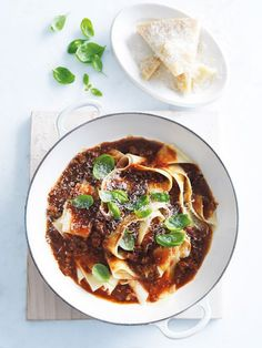 chilli beef bolognese from donna hay magazine (make ahead pizza bites) Pasta Recipes, Beef Recipes, Dinner Recipes, Cooking Recipes, Healthy Recipes, Dessert Recipes, Recipies, Pasta Bolognese, Donna Hay Recipes