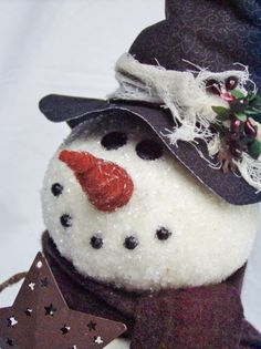 Happy Valley Primitives: A New Epattern.Meet my Snowman Tree Topper! Snowman Tree Topper, Cute Snowman, Snowman Crafts, Tree Toppers, Primitive Christmas, Christmas Snowman, Christmas Crafts, Xmas, Primitive Snowmen