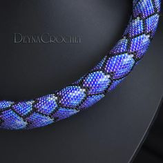 This is a PDF PATTERN for crochet necklace of Japanese seed beads size 15/0 and 11/0 of 27 stitches in the round. ----------------------------------- This is a listing for a pattern and NOT the finished piece. The pdf will be ready for download after payment received.