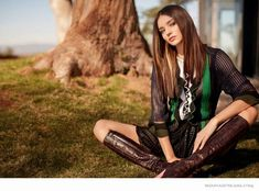 THE POWER OF ONE Model Miranda Kerr for the March 2015 issue of Harper's Bazaar Australia, shot by Kai Z. Feng and styled by Naomi Smith. 70s Fashion, Look Fashion, Trendy Fashion, Fashion Models, Fashion Bags, Bohemian Fashion, Fashion Details, Fashion Women, Bags Online Shopping