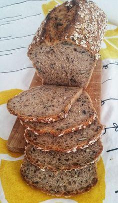 SEMIENKOVÁ TEHLIČKA | Lenka Pillárová - BLOG Keto Bread, Bread Baking, Tasty, Yummy Food, Bread And Pastries, Frappe, Bread Recipes, Banana Bread, Bakery