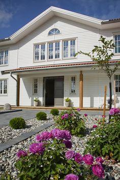 Hudson - Ocean Living Home Fashion, Entrance, Villa, Ocean, Mansions, Elegant, Architecture, House Styles, Cottages