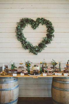 Mnhamiii, adoramos esta mesa de doces! #casamentos #casamentospt #casamento #wedding #love #amor #noiva #noivas #doces #bolo