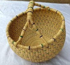 Round baskets, small baskets decor, baskets home decorations Baskets On Wall, Storage Baskets, Wicker Baskets, Woven Baskets, Gift Baskets, Winter Bedroom Decor, Round Basket, Market Baskets, Leather Weaving